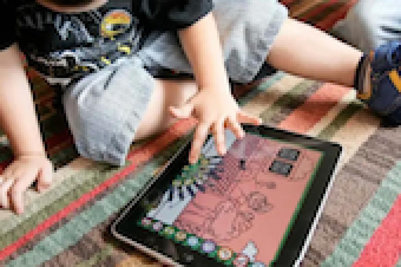 Más de 2 horas de pantalla al día se asocian a déficit atencional en niños preescolares