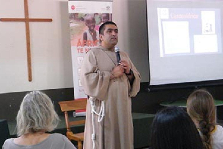 Charla Padre Yovanne Cox
