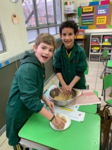 1st grade cocinando cocadas -2019